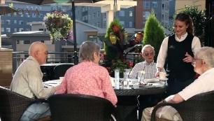 Aljoya Thornton Place dining