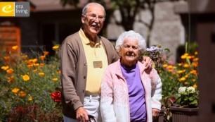 Ida Culver House Broadview residents in garden