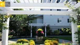 The Lakeshore garden trellis